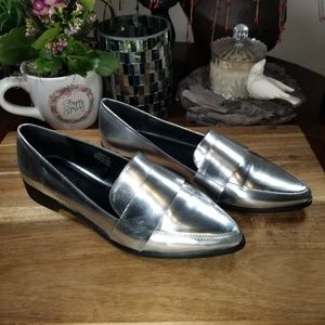 EUC Forever 21 Silver Pointed Toe Loafers Sz 9